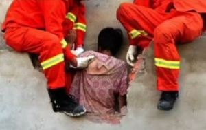 trapped woman mistaken for ghost china